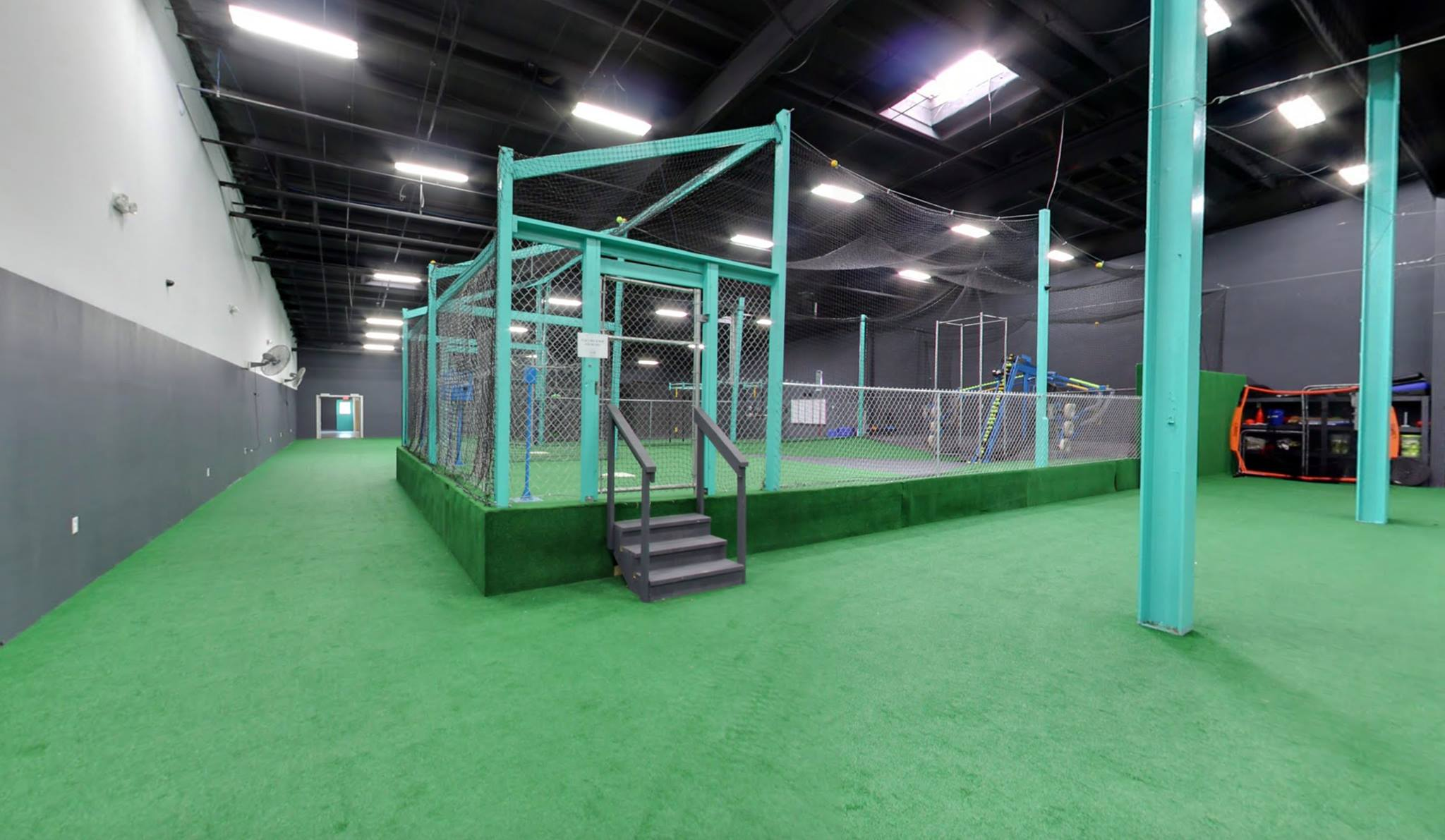 automatic pitching machine
